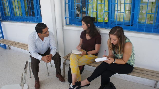 Mathilde et Pauline interrogent le responsable formation du Ministère de l'Éducation